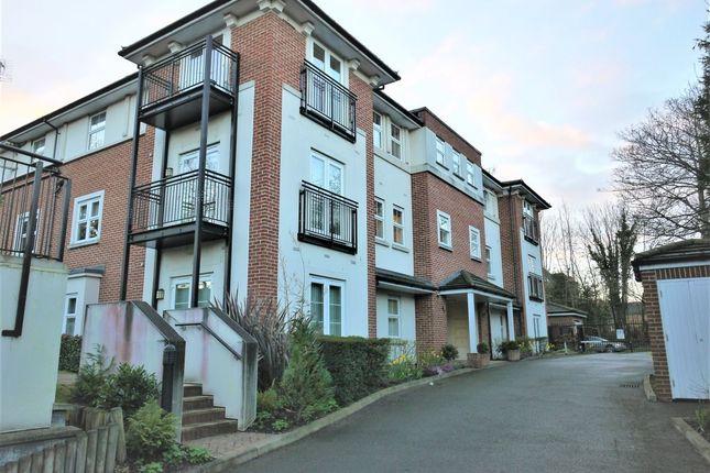 Thumbnail Flat to rent in Green Lane, Northwood