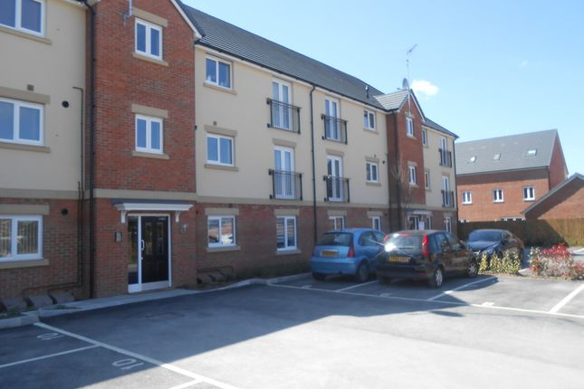 Thumbnail Flat to rent in Collingwood Crescent, Swindon