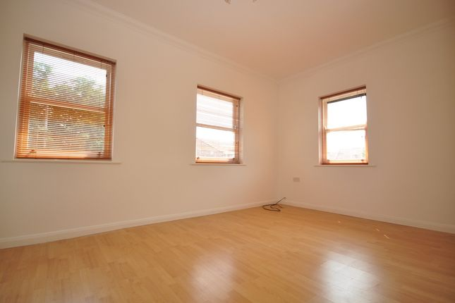 Thumbnail Flat to rent in Kent Street, Portsmouth