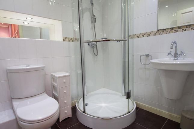 Shower Room of Nellfield Place, Aberdeen AB10