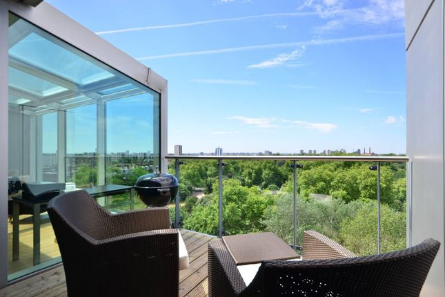 Thumbnail Flat to rent in Queenstown Road, Battersea Park