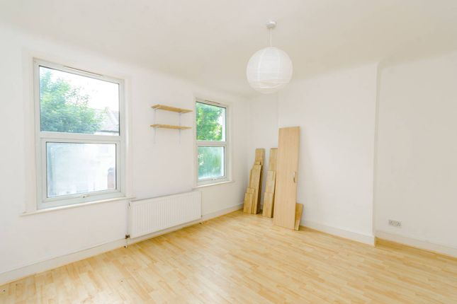 Thumbnail Terraced house to rent in Holbrook Road, Stratford