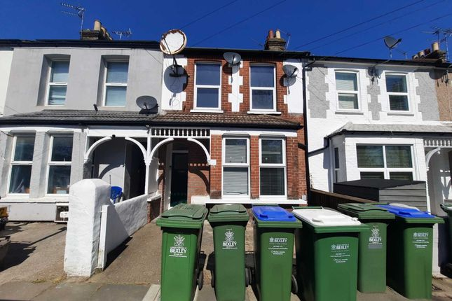 Thumbnail Flat to rent in Athol Road, Erith