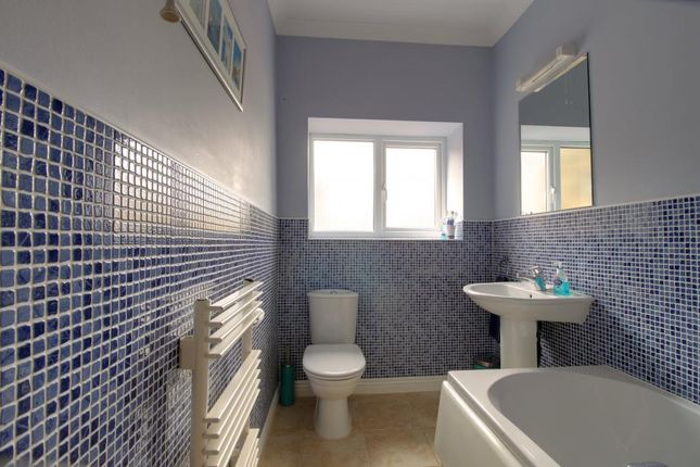 Bathroom 1 of Upper Lane, Netherton, Wakefield WF4