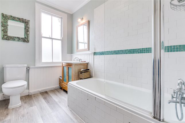 Bathroom of Brayburne Avenue, London SW4