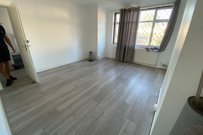 Thumbnail Semi-detached house to rent in Holt Rd, South Kenton