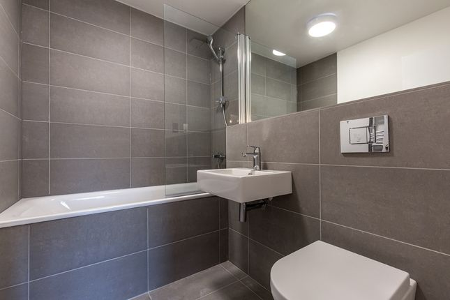 Thumbnail Flat to rent in Rudsworth, Close, Colnbrook