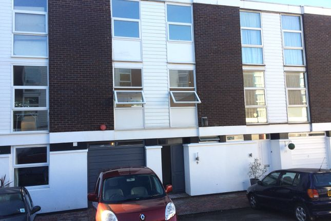 4 bed town house to rent in Brocas Close, Swiss Cottage
