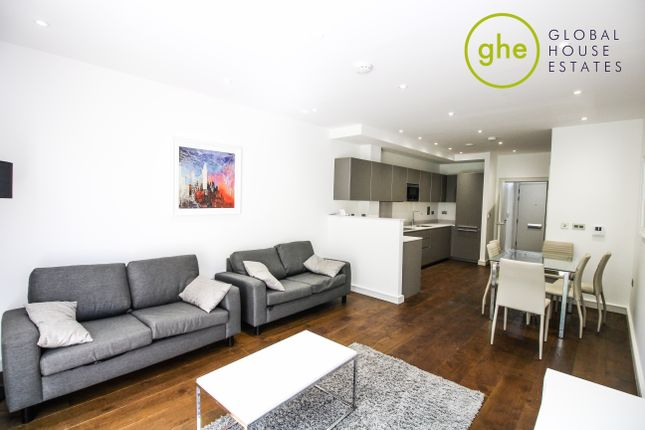 Thumbnail Town house to rent in Hawthorne Crescent, London