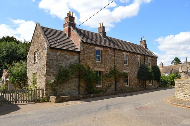 Thumbnail Cottage to rent in Middle Street, Croxton Kerrial, Grantham
