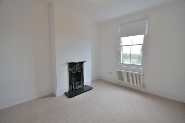Bedroom 3 of Grove Avenue, Hanwell, London W7