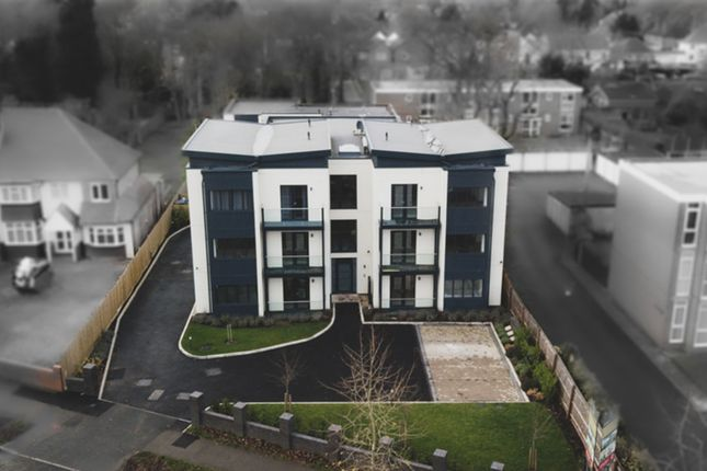 2 bed flat for sale in Loxley Court, Baldwins Lane, Hall Green B28