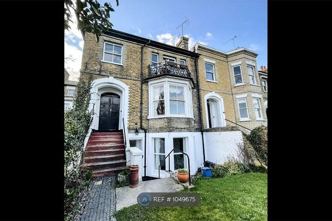 1 bed flat to rent in Prittlewell Square, Southend-On-Sea SS1