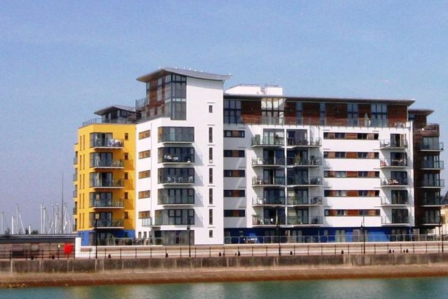 2 bed flat to rent in Midway Quay, Eastbourne BN23