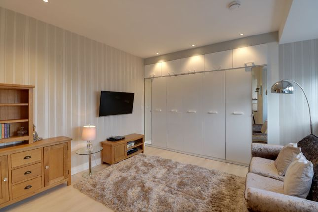 Living Area of Willesden Lane, London NW6