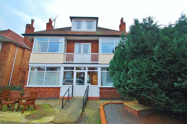 Thumbnail Terraced house for sale in Glentworth Crescent, Skegness