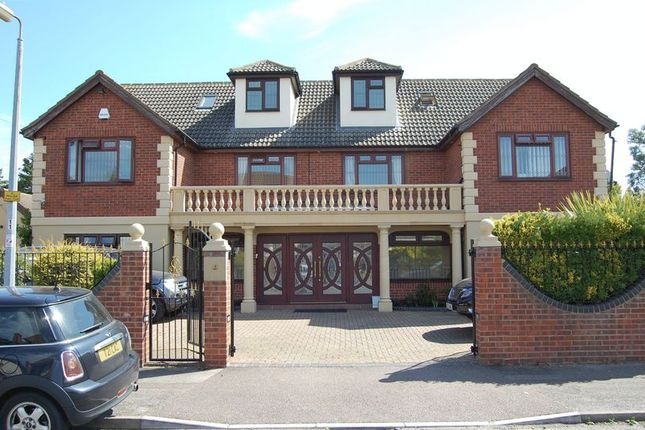 Thumbnail Detached house for sale in Scratton Road, Stanford-Le-Hope