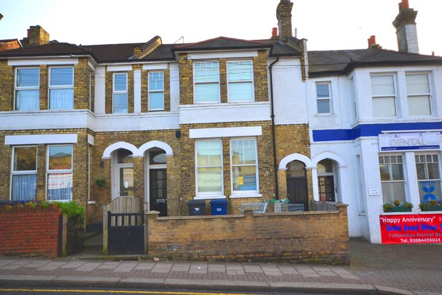 4 bed terraced house to rent in Totteridge Lane, Whetstone