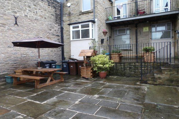Thumbnail Flat to rent in Victoria Court, Colne