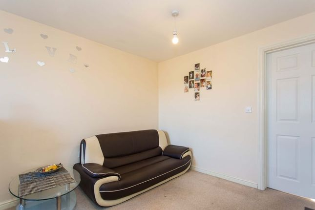 Thumbnail Property to rent in Violet Close, Castleford
