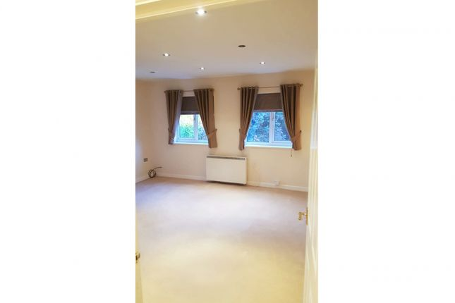 Thumbnail Flat for sale in Glendale House, Redditch, Worcestershire