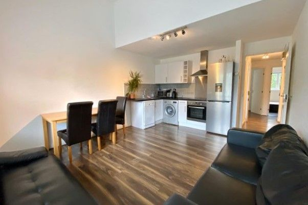 4 bed flat for sale in Longfellow Way, Bermondsey SE1