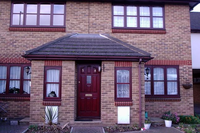 Thumbnail Flat to rent in Ware Road, Hoddesdon