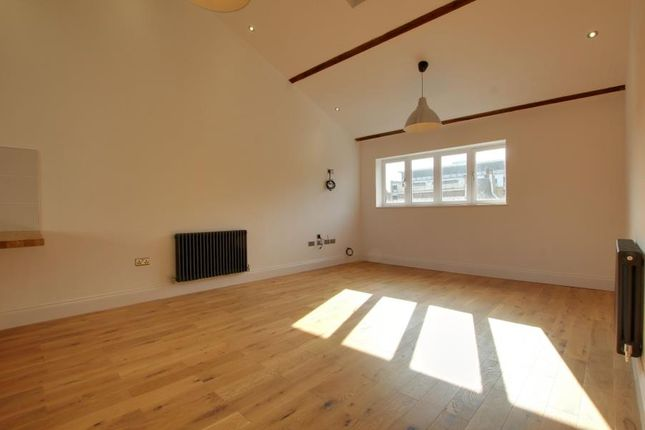 Thumbnail Flat to rent in George Street, Hull