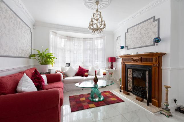 Thumbnail End terrace house for sale in Kensington Drive, Woodford Green