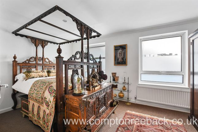 Abinger Mews - Bedroom -Original (4)