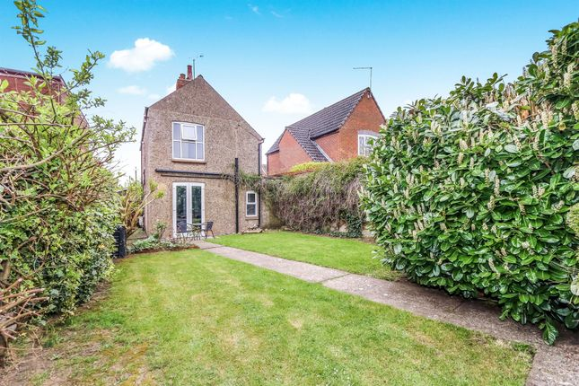 Thumbnail Detached house for sale in Marshalls Road, Raunds, Wellingborough