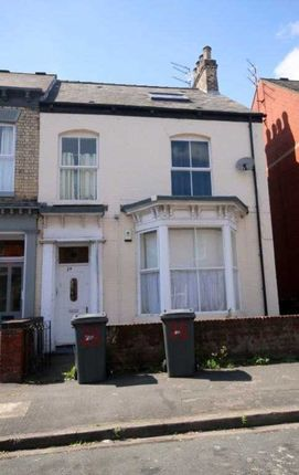 Thumbnail Flat for sale in Louis Street, Hull
