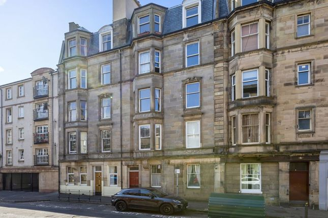 Thumbnail Flat for sale in 8/6 Blackwood Crescent, Newington, Edinburgh