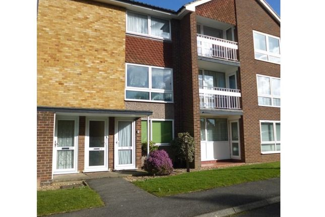 Thumbnail Maisonette to rent in Weymouth Court, Grange Road, Sutton