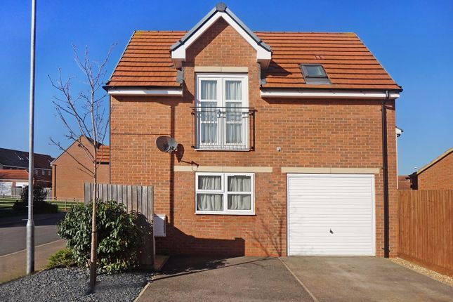 Thumbnail Flat for sale in Banks Crescent, Stamford