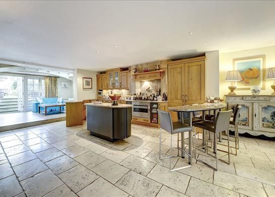 Kitchen, W11 of Ladbroke Terrace, Notting Hill, London W11