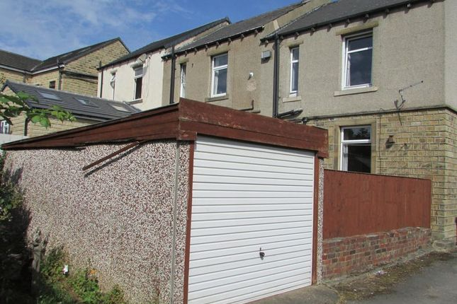 Garage of Lightcliffe Road, Crosland Moor, Huddersfield HD4