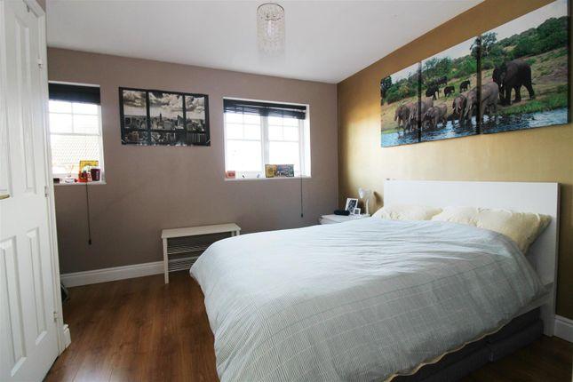 Master Bedroom of Clonmel Close, Caversham, Reading RG4