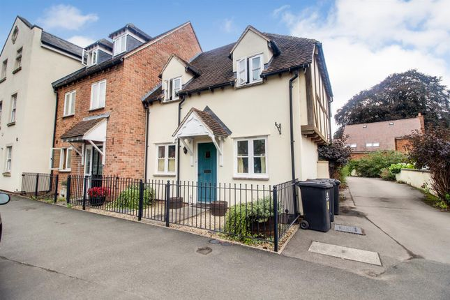 3 bed end terrace house for sale in Church Street, Newent GL18