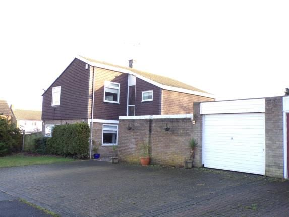 Thumbnail Detached house for sale in The Knowle, Basildon