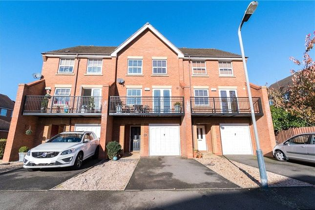 Thumbnail Terraced house for sale in Rambures Close, Warwick