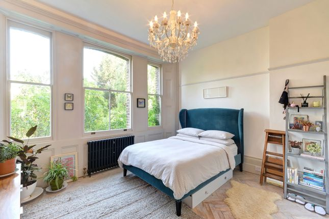 Thumbnail Flat for sale in Lordship Park, London