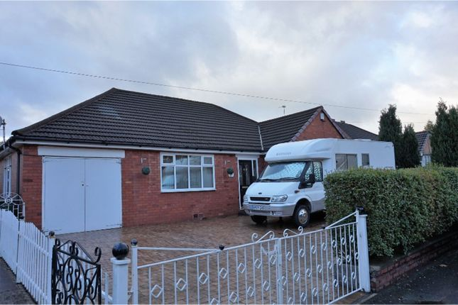 Thumbnail Bungalow for sale in Broadway, Manchester