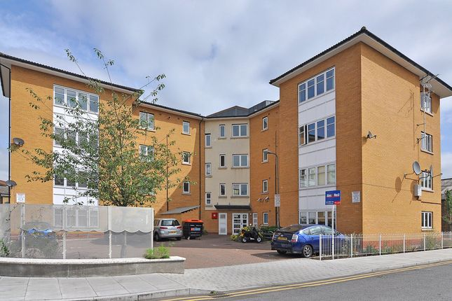 Thumbnail Flat for sale in Prince Edward Road, London
