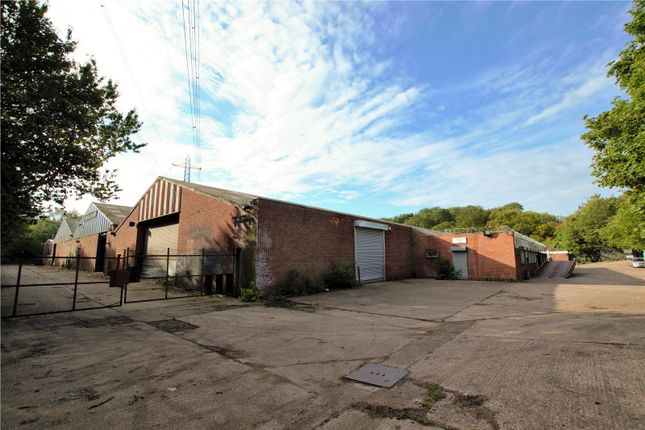 Thumbnail Warehouse to let in The Maple Centre, Bull Lane, Wednesbury, West Midlands