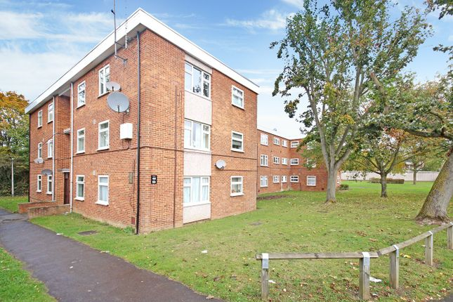 3 bed flat to rent in Townley, Letchworth Garden City SG6