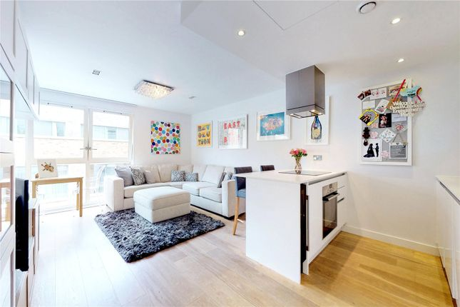 Picture No. 21 of Courtyard Apartments, 3 Avantgarde Place, London E1