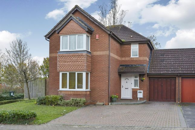 3 bed link-detached house for sale in Brill Place, Bradwell Common, Milton Keynes