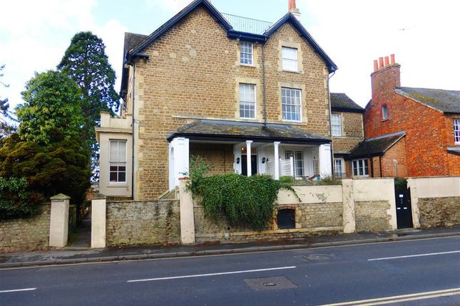 Thumbnail Flat to rent in Spring Terrace, Abingdon