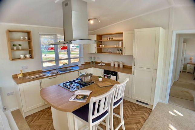 Kitchen2 of Billing Aquadrome Holiday Park, Northampton, Northamptonshire NN3